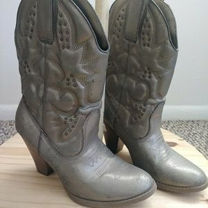 Mossimo supply co lady cowboy boots